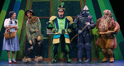 who are the main characters in the wizard of oz